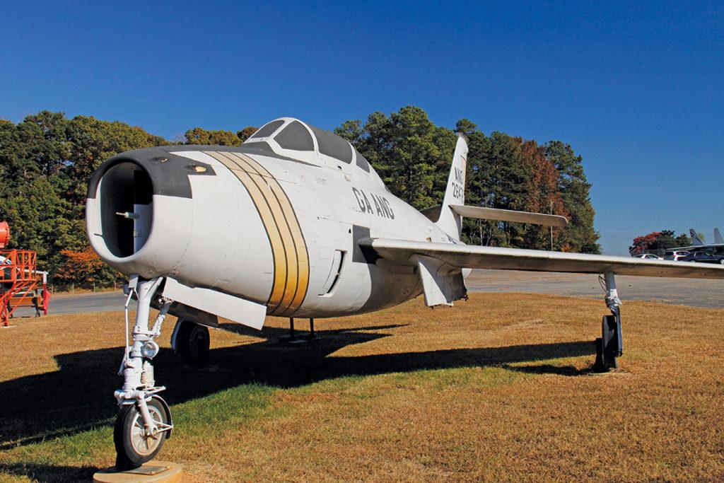 Republic F-84F Thundersteak (1950s attack jet)